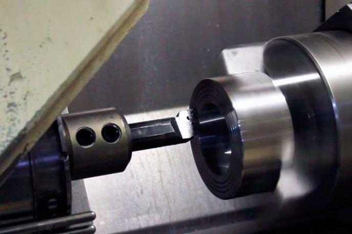 Fabricación-caudalimetro-por-disco-de-choque-Serie-DP_torno