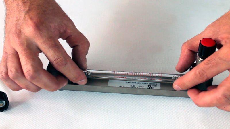 Cambio-de-tubo-vidrio-caudalimetro-Serie-2000_Tecfluid_4